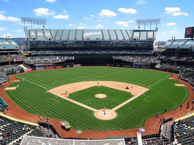 Oakland Coliseum.jpg
